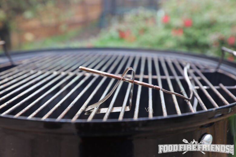 Thermopro tp08 pit probe on a weber WSM