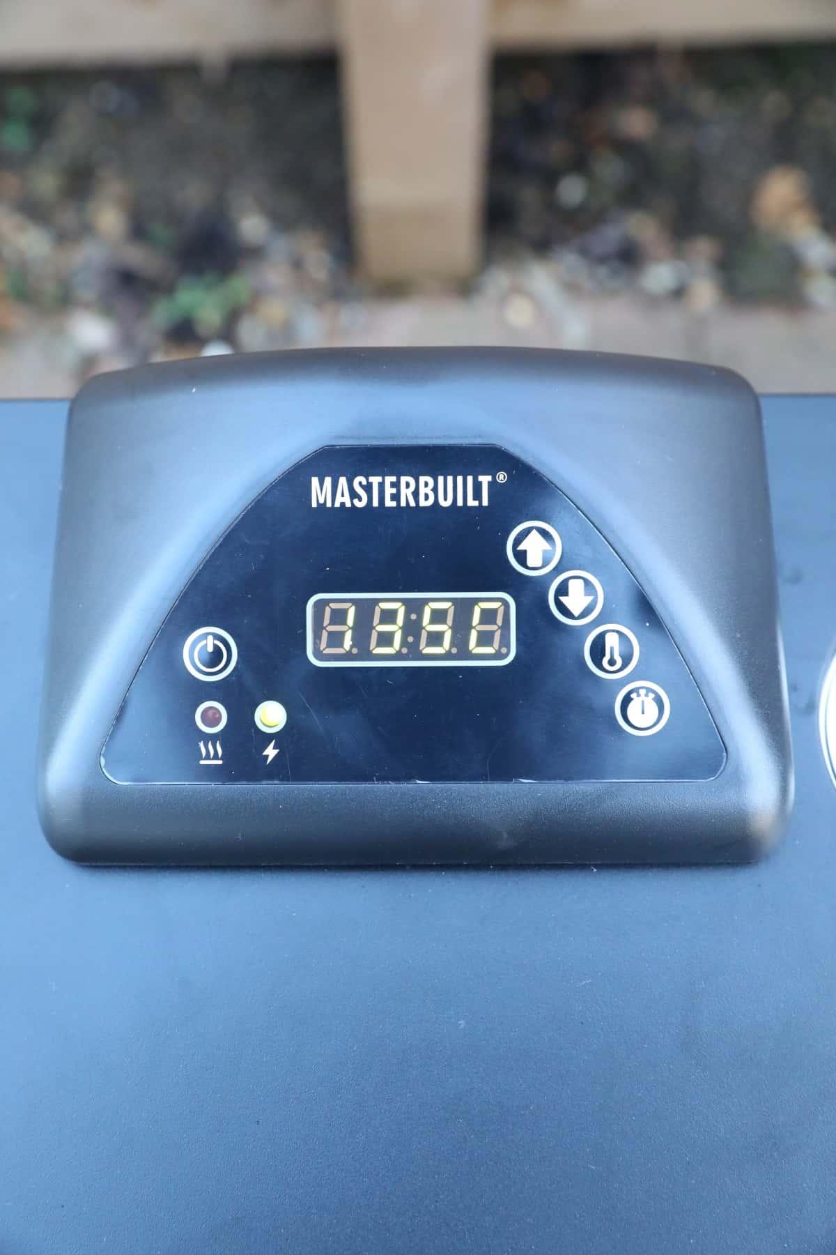 Close up of Masterbuilt electric smoker controller
