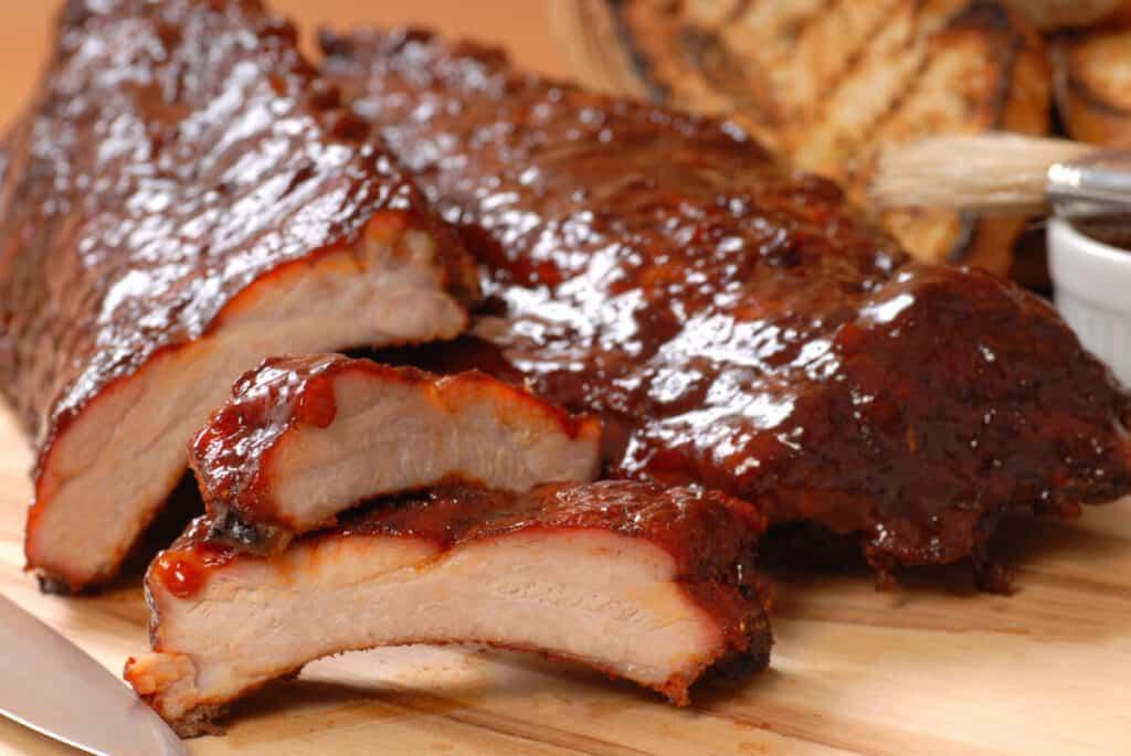smoked and sliced bbq pork ribs