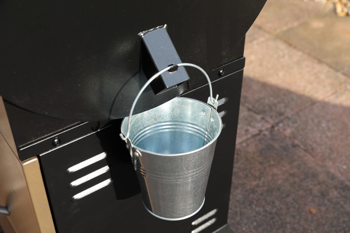 z grills 700D grease bucket